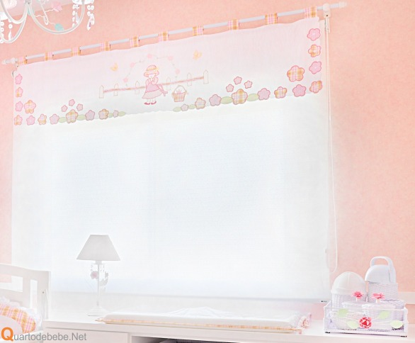quarto bebe decorado salmao