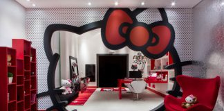 sala estudo hello kitty carpete cinza